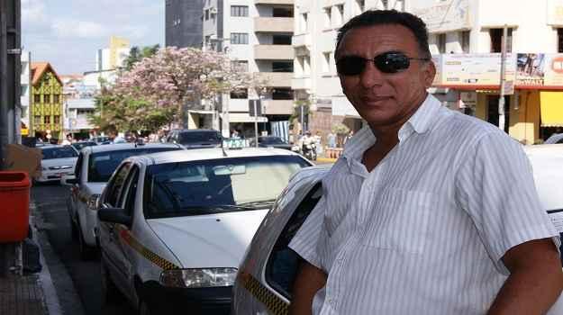 Laerte Souza trocou o carro h� dois meses e a escolha rendeu quase 30% de desconto (Amanda Couto/Especial DB/DA Press)